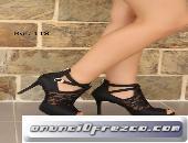 Modela zapatos colombianos 3