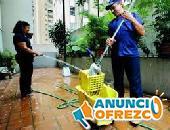 Se requieren conserjes o limpiadoras para el mantenimiento comunidades de vecinos