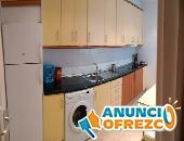 Apartamento amueblado, tres dormitorios, salón, cocina, baño, despensa  y trastero en planta sótano,